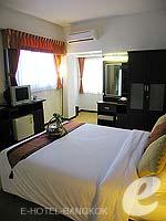 バンコク サイアム・プラトゥーナムのホテル : バイヨーク ブティック ホテル(Baiyoke Boutique Hotel)のデラックスルームの設備 Bedroom