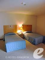 バンコク サイアム・プラトゥーナムのホテル : バイヨーク スカイ ホテル(Baiyoke Sky Hotel)のラン オブ ザ ハウス ツイン(スタンダード ゾーン)ルームの設備 Bedroom