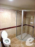 バンコク サイアム・プラトゥーナムのホテル : バイヨーク スカイ ホテル(Baiyoke Sky Hotel)のスーペリア スイート ツイン(スタンダード ゾーン)ルームの設備 Bath Room