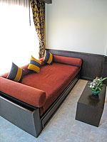 サムイ島 チャウエンビーチのホテル : バナナ ファン シー リゾート(Banana Fan Sea Resort)のスーペリアルームの設備 Living Area