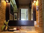 サムイ島 チャウエンビーチのホテル : バナナ ファン シー リゾート(Banana Fan Sea Resort)のプールビュー バンガロールームの設備 Bathroom