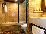 サムイ島 チャウエンビーチのホテル : バナナ ファン シー リゾート(Banana Fan Sea Resort)のビーチフロント ヴィラルームの設備 Bathroom