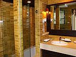 サムイ島 チャウエンビーチのホテル : バナナ ファン シー リゾート(Banana Fan Sea Resort)のエグゼクティブ スイートルームの設備 Bathroom