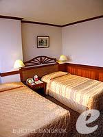 バンコク 王宮・カオサン周辺のホテル : バンコク センター ホテル(Bangkok Centre Hotel)のスーペリア ダブル(ルームオンリー)ルームの設備 Bedroom