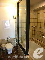プーケット 10,000~20,000円のホテル : バンタイ ビーチ リゾート & スパ (Banthai Beach Resort & Spa)のスーペリア(ツイン/ダブル)ルームの設備 Bathroom