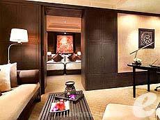 バンコク シーロム周辺のホテル : バンヤン ツリー バンコク(Banyan Tree Bangkok)のお部屋「デラックス」