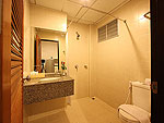 プーケット パトンビーチのホテル : バラミー ヒップ ホテル(Baramee Hip Hotel)のスーペリア プレミアムルームの設備 Bath Room