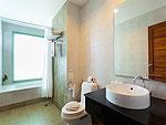 プーケット パトンビーチのホテル : バラミー リゾテル(Baramee Resortel)のデラックス プレミアムルームの設備 Bath Room