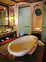 プーケット 20,000円以上のホテル : バライ ヴィラ by サワディー ヴィレッジ(Baray Villa by Sawasdee Village)のバライ ヴィラルームの設備 Bathroom