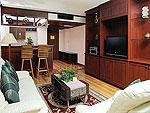 プーケット ファミリー&グループのホテル : バウマンブリ(Baumanburi)のグランド スイ ートルームの設備 Living Room