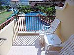 プーケット ファミリー&グループのホテル : バウマンブリ(Baumanburi)のデラックス(シングル)ルームの設備 Balcony