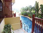 プーケット ファミリー&グループのホテル : バウマンブリ(Baumanburi)のプールサイドアクセス(ツイン/ダブルルームの設備 Pool Access