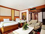 プーケット ファミリー&グループのホテル : バウマンブリ(Baumanburi)のジュニア スイートルームの設備 Bath Room