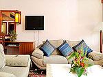 プーケット ファミリー&グループのホテル : バウマンブリ(Baumanburi)のジュニア スイートルームの設備 Living Area