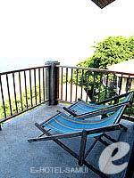 サムイ島 オーシャンビューのホテル : ブルー ヒル リゾート(Blue Hill Resort)のシービュー デラックスルームの設備 Balcony