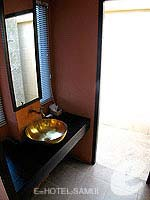 サムイ島 オーシャンビューのホテル : ブルー ヒル リゾート(Blue Hill Resort)のシービュー ヴィラルームの設備 Bathroom