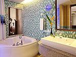 プーケット スパ併設のホテル : ブルー オーシャン リゾート & スパ(Blue Ocean Resort)のグランド デラックスルームの設備 Bath Room
