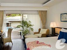 プーケット カタビーチのホテル : ボートハウス(1)のお部屋「デラックス ビーチフロント」