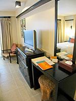 プーケット パトンビーチのホテル : ブラサリ プーケット(Burasari Phuket)のプレミアルームの設備 Dresser