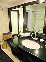 プーケット パトンビーチのホテル : ブラサリ プーケット(Burasari Phuket)のプレミアルームの設備 Bathroom