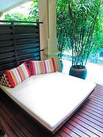 プーケット パトンビーチのホテル : ブラサリ プーケット(Burasari Phuket)のエリート プール アクセスルームの設備 Poolside Deck
