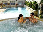 Jacuzzi / Cape House Serviced Apartments,