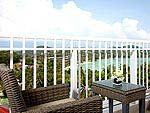 プーケット ファミリー&グループのホテル : ケープ パンワ ホテル(Cape Panwa Hotel)のジュニア スイートルームの設備 Balcony