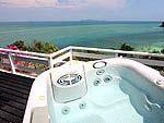 プーケット ファミリー&グループのホテル : ケープ パンワ ホテル(Cape Panwa Hotel)のケープ シグネチャールームの設備 Outdoor Jacuzzi