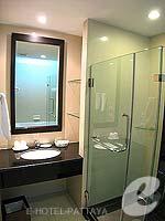 パタヤ シラチャーのホテル : ケープ ラチャ ホテル シラチャー(Cape Racha Hotel Sriracha)のスタジオ スイートルームの設備 Bathroom