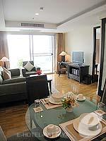 パタヤ シラチャーのホテル : ケープ ラチャ ホテル シラチャー(Cape Racha Hotel Sriracha)の1ベッド ルーム スイートルームの設備 Dining Area