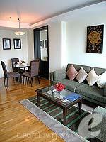 パタヤ シラチャーのホテル : ケープ ラチャ ホテル シラチャー(Cape Racha Hotel Sriracha)の1ベッド ルーム スイートルームの設備 Living Area