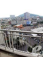 パタヤ シラチャーのホテル : ケープ ラチャ ホテル シラチャー(Cape Racha Hotel Sriracha)の1ベッド ルーム スイートルームの設備 Balcony