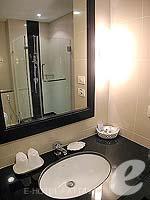 パタヤ シラチャーのホテル : ケープ ラチャ ホテル シラチャー(Cape Racha Hotel Sriracha)の1ベッド ルーム スイートルームの設備 Bathroom