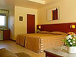 パタヤ ジョムティエンビーチのホテル : カジュアリーナ ジョムティエン ホテル(Casuarina Jomtien Beach Hotel)のスタンダードルームの設備 Bedroom