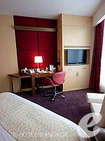 バンコク ファミリー&グループのホテル : センタラ グランド アット セントラルワールド(Centara Grand at Central World)のスーペリア ワールドルームの設備 Bedroom