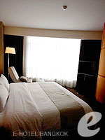 バンコク ファミリー&グループのホテル : センタラ グランド アット セントラルワールド(Centara Grand at Central World)のエグゼクティブ スイートルームの設備 Bedroom