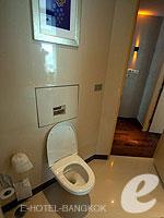 バンコク ファミリー&グループのホテル : センタラ グランド アット セントラルワールド(Centara Grand at Central World)のエグゼクティブ スイートルームの設備 Bath Room
