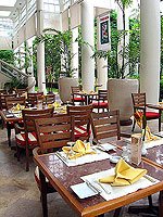 Main Restaurant / Centara Grand Beach Resort Samui, มีสปา