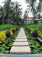 Pathway / Centara Grand Beach Resort Samui, หาดเฉวง