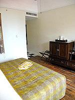 サムイ島 キッズルームありのホテル : センタラ グランド ビーチ リゾート サムイ(Centara Grand Beach Resort Samui)のプレミア デラックス オーシャンフェーシングルームの設備 Bedroom