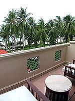 サムイ島 キッズルームありのホテル : センタラ グランド ビーチ リゾート サムイ(Centara Grand Beach Resort Samui)のプレミア デラックス オーシャンフェーシングルームの設備 Balcony