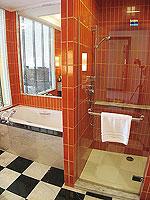 サムイ島 キッズルームありのホテル : センタラ グランド ビーチ リゾート サムイ(Centara Grand Beach Resort Samui)のプレミア デラックス オーシャンフェーシングルームの設備 Bathroom
