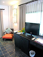プーケット 5,000~10,000円のホテル : センタラ カロン リゾート(Centara Karon Resort)のカバナ 1ベットルーム プライベートプールルームの設備 Writing Desk