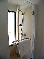プーケット 5,000~10,000円のホテル : センタラ カロン リゾート(Centara Karon Resort)のカバナ 1ベットルーム プライベートプールルームの設備 Shower Booth