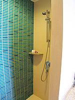 プーケット 5,000~10,000円のホテル : センタラ カロン リゾート(Centara Karon Resort)のスーペリアオーシャンビュー(シングル)ルームの設備 Bath Room