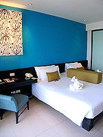 プーケット 5,000~10,000円のホテル : センタラ カロン リゾート(Centara Karon Resort)のスーペリアオーシャンビュー(ダブル/ツイン)ルームの設備 Bedroom
