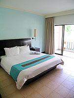 プーケット カタビーチのホテル : センタラ カタ リゾート(Centara Kata Resort)の1ベッドルーム ファミリースイートルームの設備 Bedroom