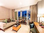 プーケット カップル&ハネムーンのホテル : アシュリー ハブ ホテル パトン(Ashlee Hub Hotel Patong)のデラックスルームルームの設備 Living Area