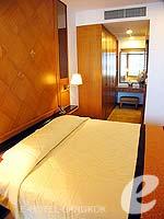 バンコク BTSプルンチット駅のホテル : センター ポイント プルンチット ホテル(Grande Centre Point Hotel Ploenchit)の1ベッドルーム(ダブル)ルームの設備 Bedroom