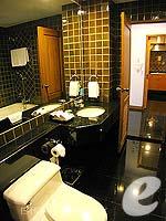 バンコク BTSプルンチット駅のホテル : センター ポイント プルンチット ホテル(Grande Centre Point Hotel Ploenchit)の1ベッドルーム(ダブル)ルームの設備 Bath Room